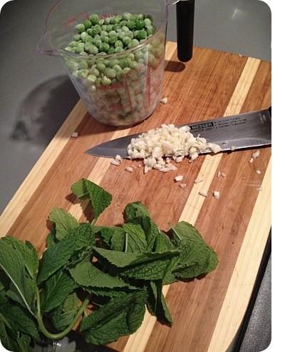algaecal pea pesto pasta