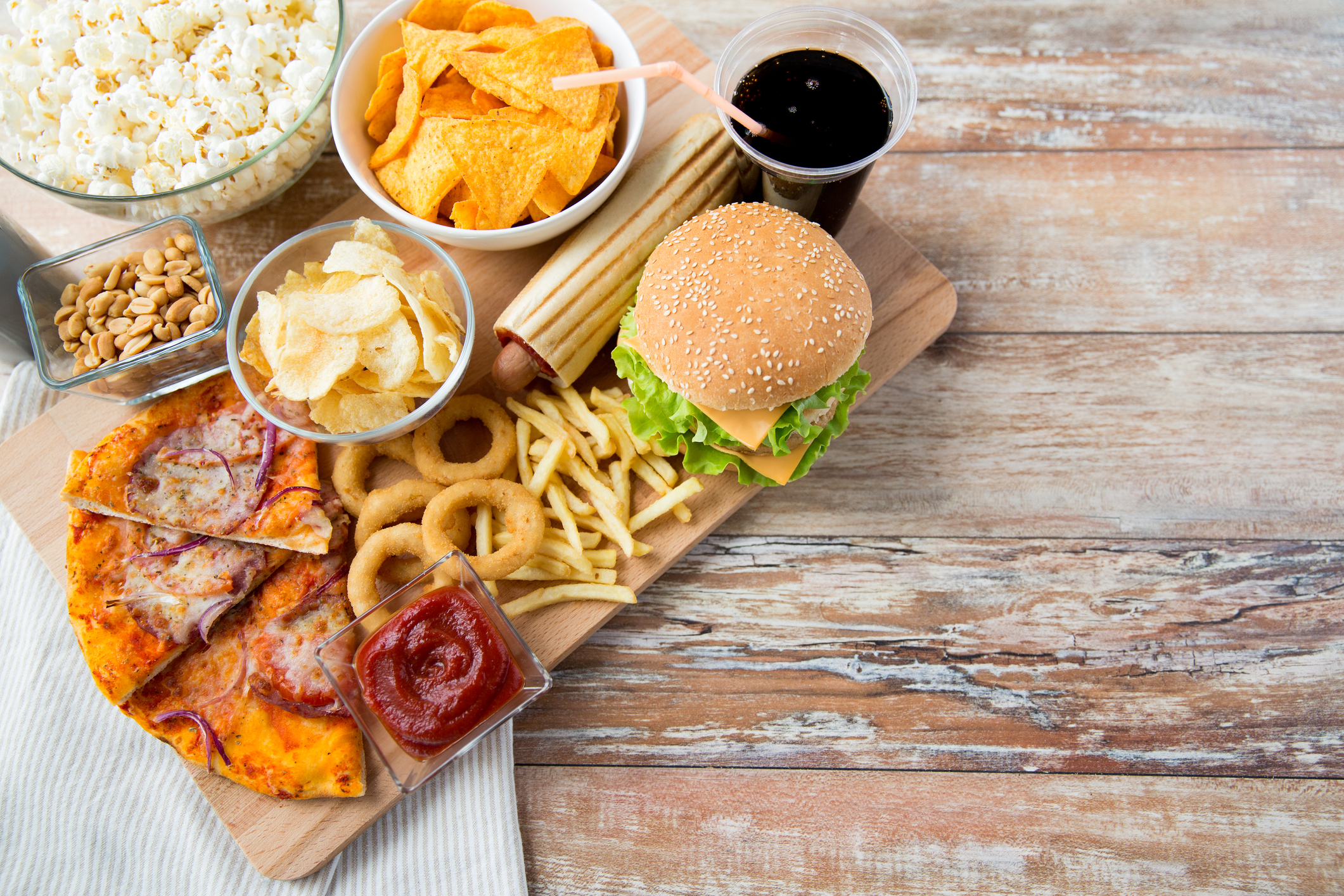 fast food and proinflammatory foods that lead to bone loss