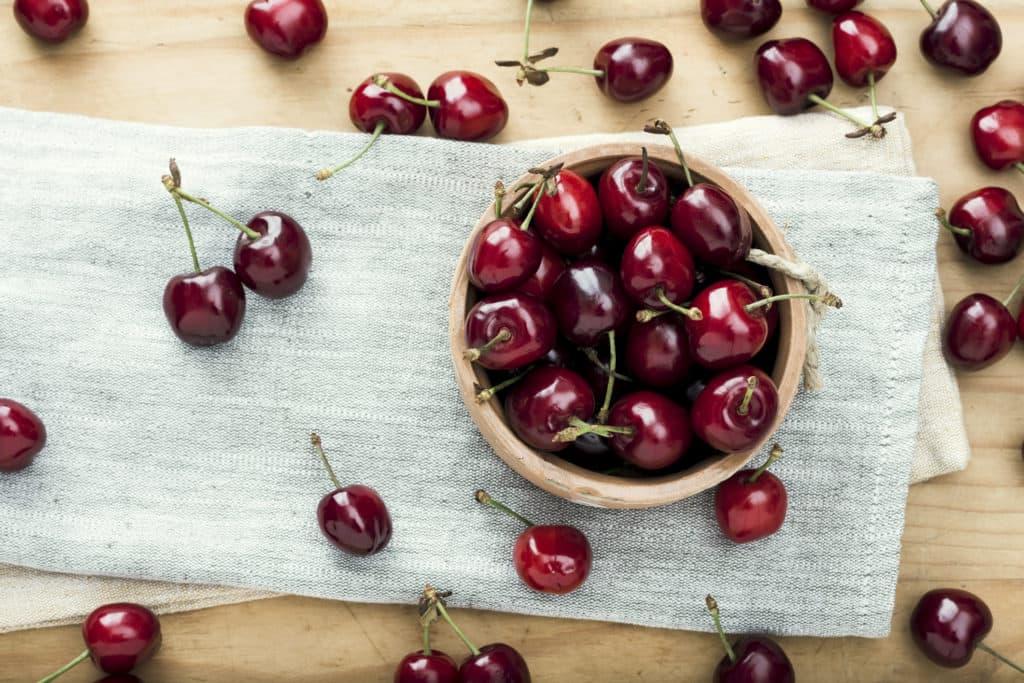 cherries, quercetin antiinflammatory foods