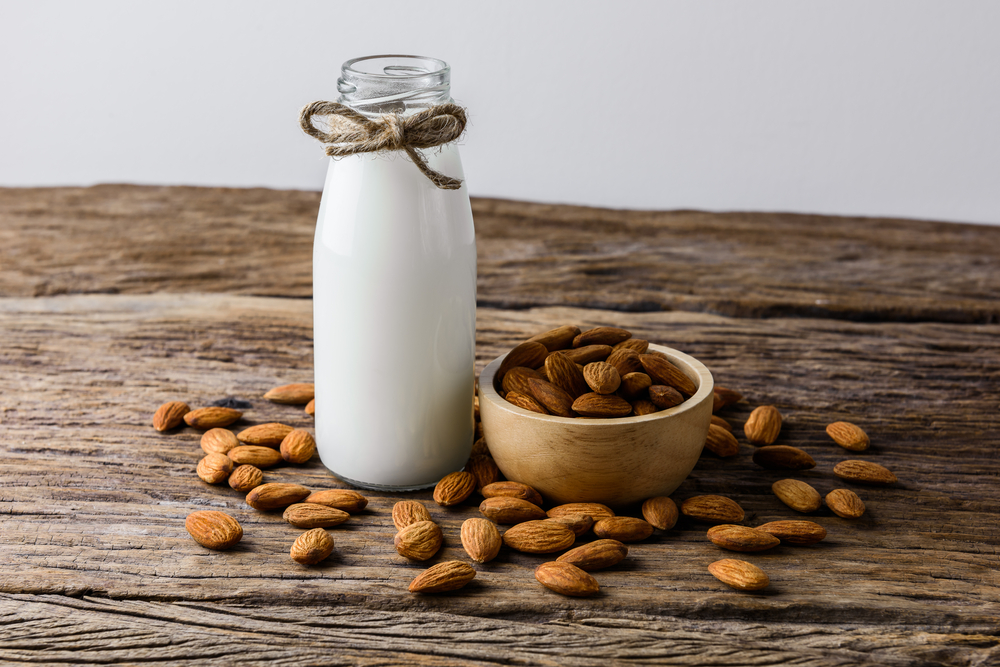 calcium in almond milk